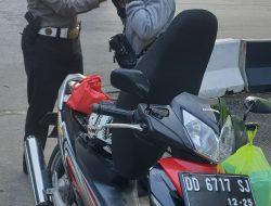 Jadikan Keselamatan Berkendara Sebagai Kebutuhan Kasubdit Reg. Polda Beri Reward Pengendara Safety Riding